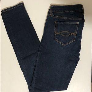 A&F dark jeans ! EUC